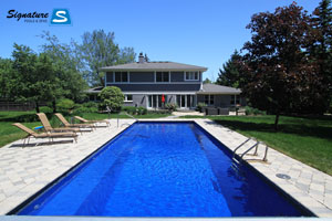 Leisure Pools Grande model pool built by Signature Pools In Northbrook, IL