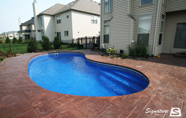 Leisure Pools Tuscany Fiberglass Pool Signature