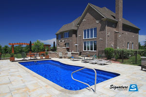 Leisure Pools Moroccan 31 model fiberglass pool built by Signature Pools in Hawthorn Woods, Illinois