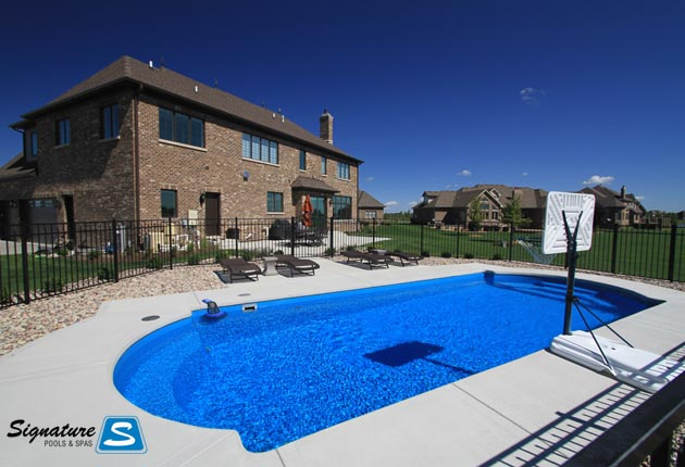 Cathedral Model Pool From Thursday Pools Signature Fiberglass Pools Chicago Swimming Pool